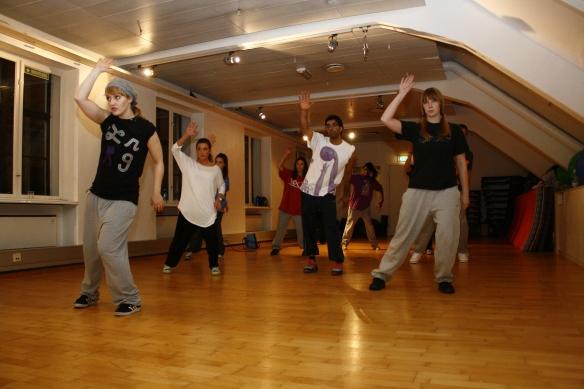 Popping subsdans dansestudio